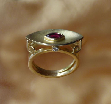 Ruby_18ct_Gold_Ring_web